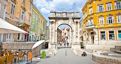 Golden Roman Gate in Pula