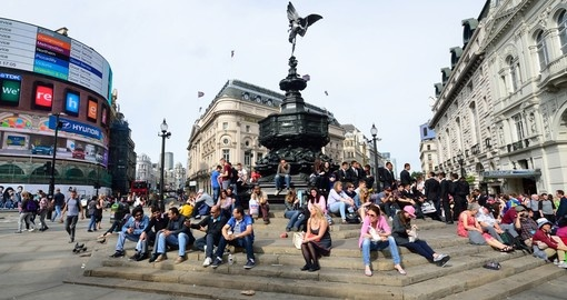 Visit the bustling Piccadilly Circus in London during your next England vacations.