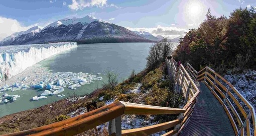 Experience catwalks with a view to the Glacier on your Chile vacations.