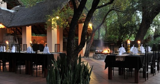 Enjoy the very nice Boma Dinner in Shiduli Private Game Lodge during your next South Africa safari.