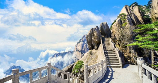 Enjoy breathtaking views in the Huangshan region on your China Tour