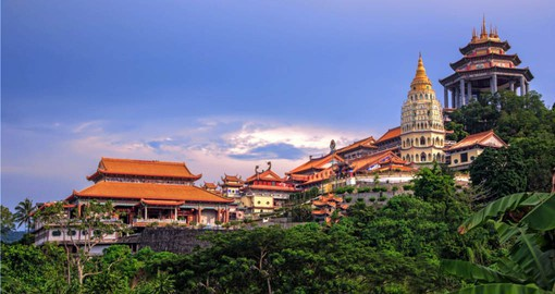 Finish your Malaysia tour package in Penang and a visit to Kek Lok Si