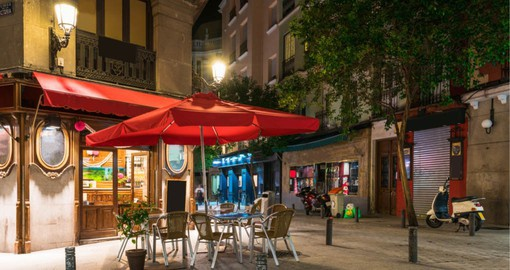 Enjoy Madrid's legendary nightlife and mouth-watering tapas