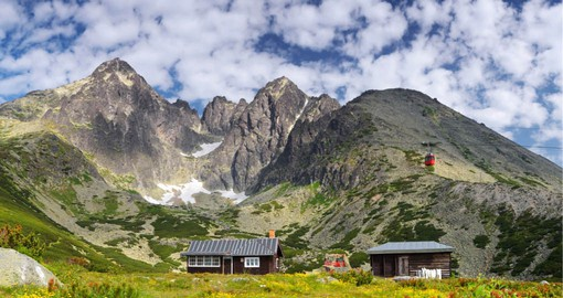 The High Tatras range in the Carpathian Mountains feature 25 peaks measure above 2500m