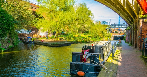 Stroll along Rochdale Canal on your England vacation