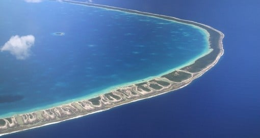 Take a tour through the Pacific Atoll Rangiroa on your Tahiti Tour