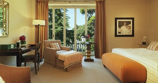 Experience all the amenities of the Hotel de Russie on your next Italy vacations.