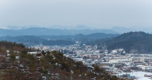 See the landscape of Takayama old town during your Japan trip.