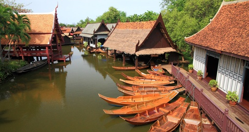 Cruise canals in Bangkok on your Thailand tour