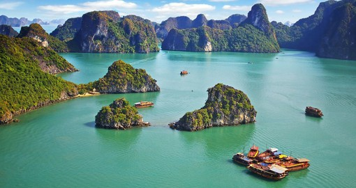 Experience the picturesque of Ha Long Bay during your next trip to Vietnam