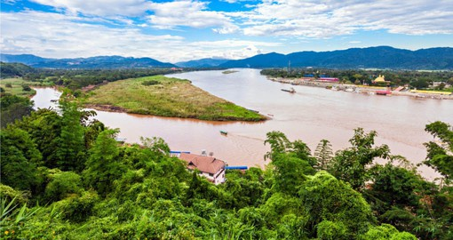 See the mighty Mekong Rive on your Thai Vacation
