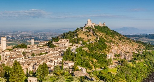 Visit St Francis' birthplace, the historic town of Assisi on your next Italy vacations.