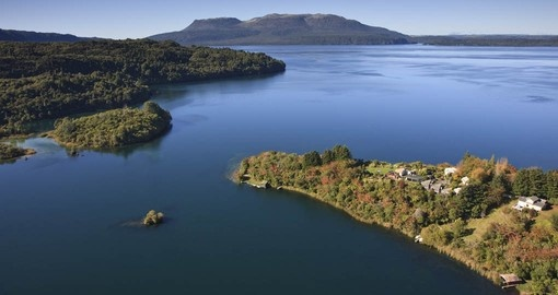 Solitaire Lodge Peninsula is the setting for your New Zealand Vacation