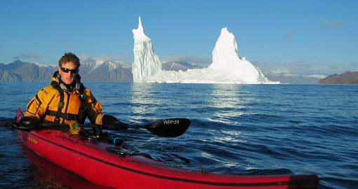 Go kayaking in the Arctic on your polar adventure
