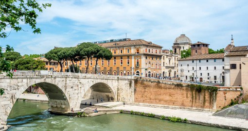Cross the Tiber and visit the Trastevere