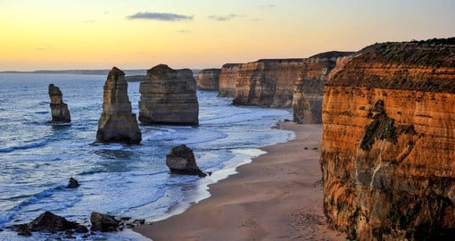 The spectacular Great Ocean Road winds along the wild and windswept Southern Ocean