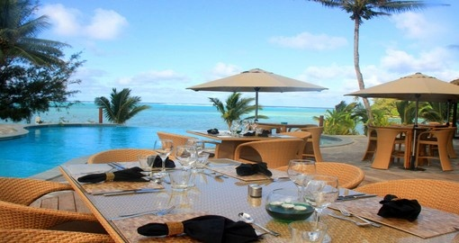 Poolside dining at the Nautilus Resort
