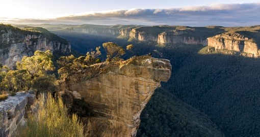 Enjoy the spectacular scenery of the Blue Mountains on your Australia Vacation