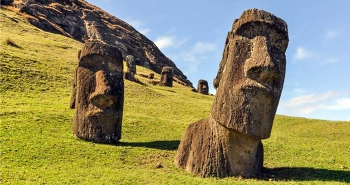 Visit the spectacle of the giant heads on Easter Island on a Chile tour