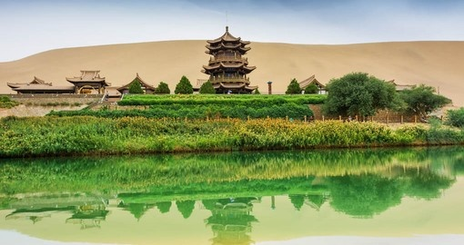 Discover the Crescent springs in Dunhuang on your trip to China
