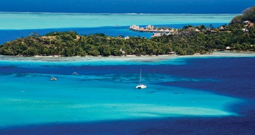 Enjoy beautiful Lagoons and local history on your Tahiti Tour