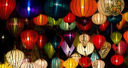 Handcrafted lamps in the ancient town of Hoi An