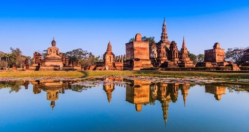 Visit Sukhothai historical park and enjoy the view of the beauty during your next Thailand vacations.
