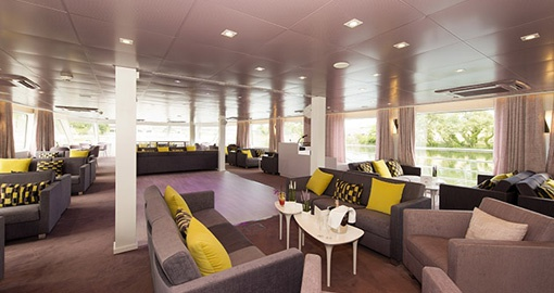 Lounge on the MS Douce France