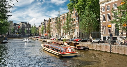 Discover beauty of the Amsterdam on Hop On Hop Off tour during your next Nederlands vacations.