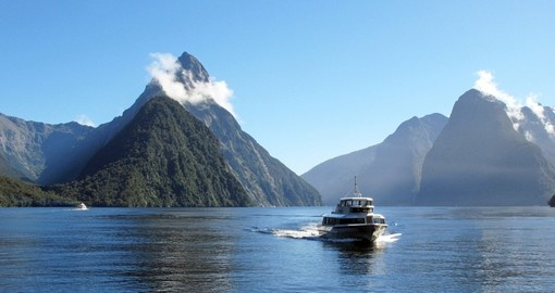 Cruise the Milford Sound on your New Zealand vacation