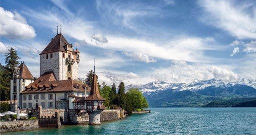 Interlaken is built on a narrow stretch of valley, between the emerald-colored waters of Lake Thun and Lake Brienz