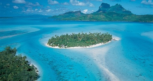Huahine to Raiatea Catamaran Cruise | Island Escapes | Goway