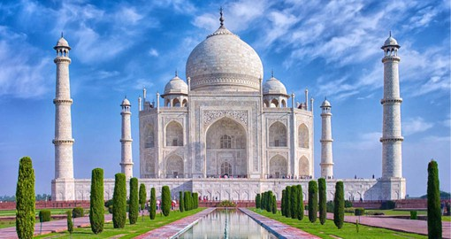 Built by Emperor Shah Jahan to house the tomb his wife, the Taj Mahal remains an architectural marvel
