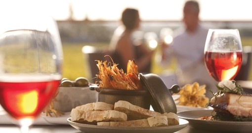 Enjoy the local food & wine in the Barossa Valley during your Australia vacation.