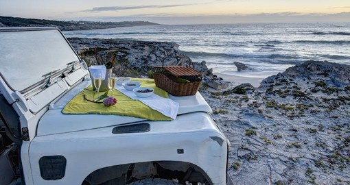 Grootbos champagne picnic on secluded beach