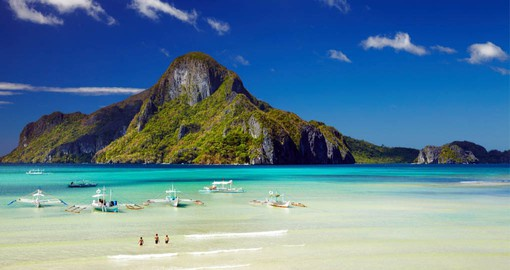 Take a tour throughout El Nido by boat and enjoy the fauna that surrounds this stretch of water on your Philippines Tour