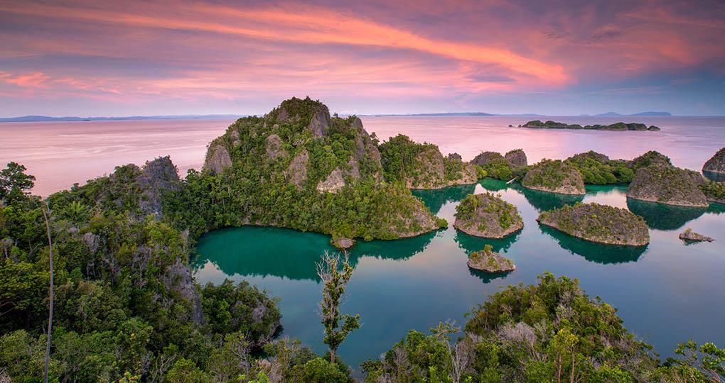 Raja Ampat Explorer North   Australia Vacation   Goway