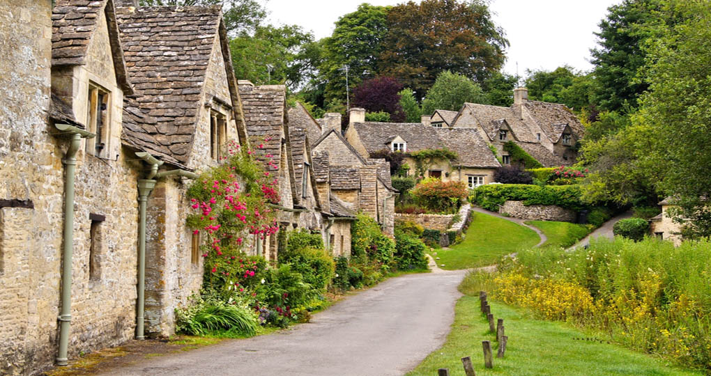 Homes of Cotswolds